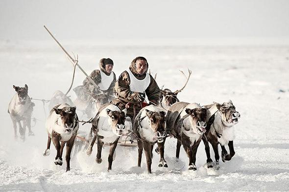 photographs-of-vanishing-tribes-before-they-pass-away-jimmy-nelson.jpg