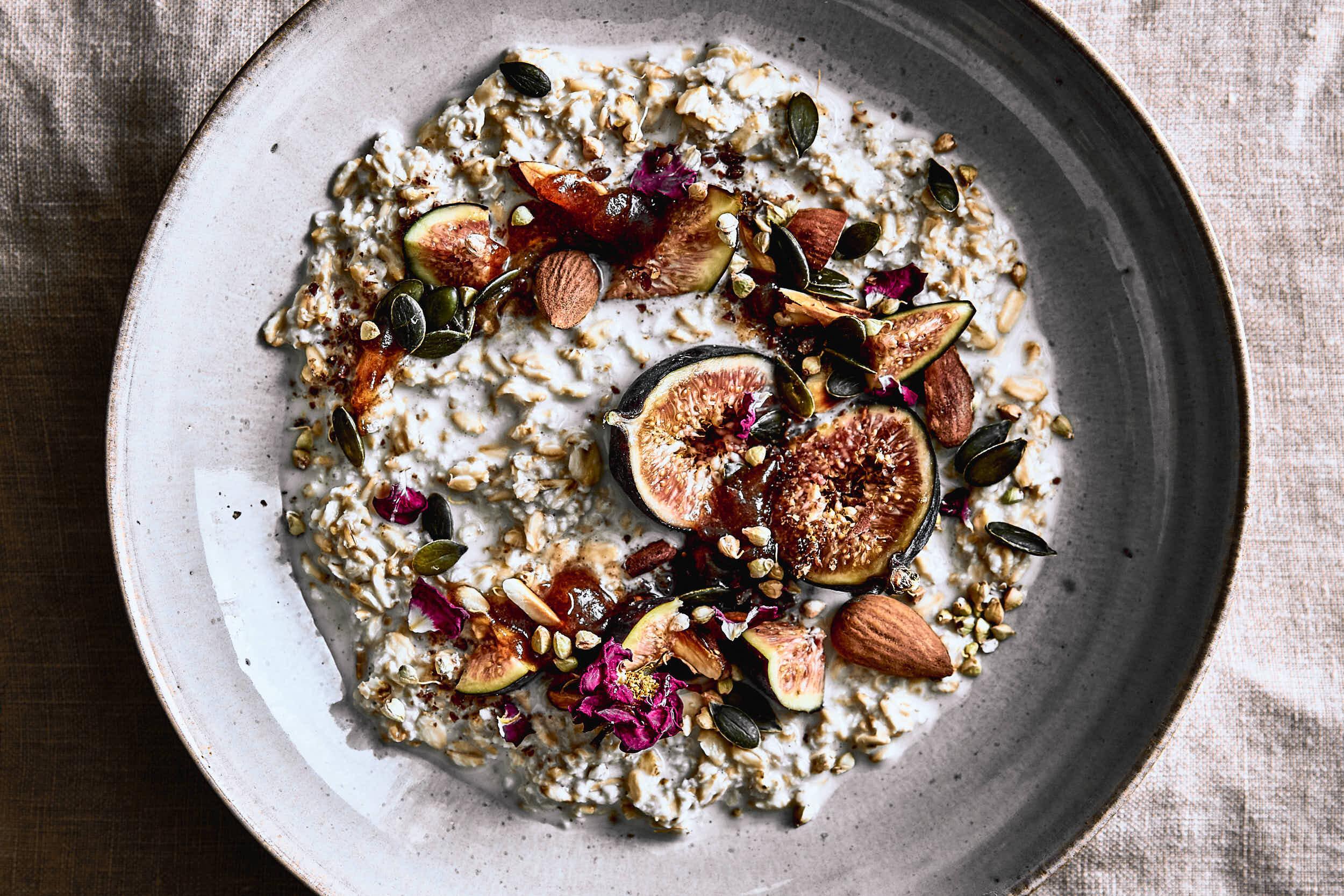 Porridge mit Feigen und Mandeln vegan