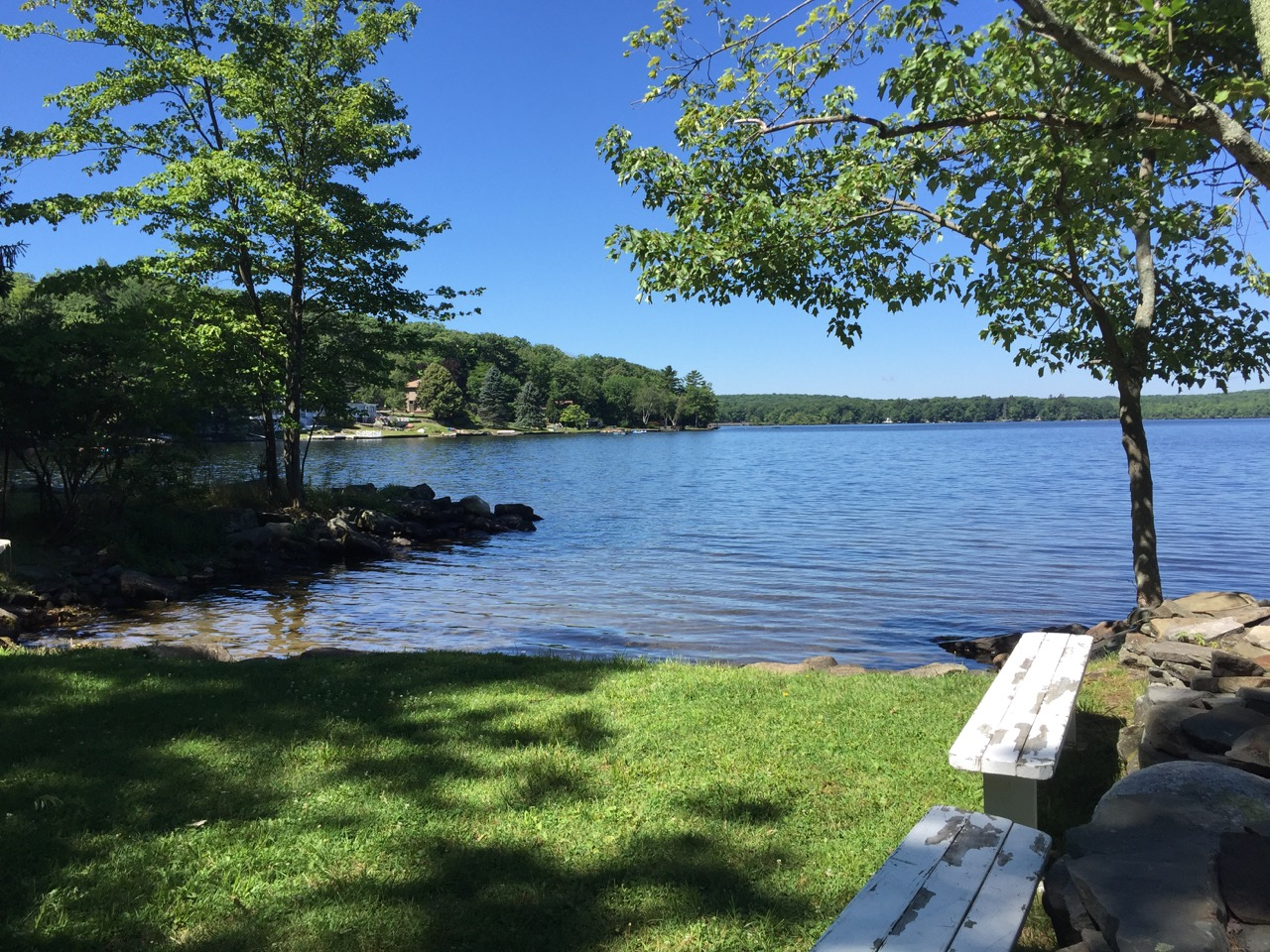 Rose Point Cottage shared lake access point