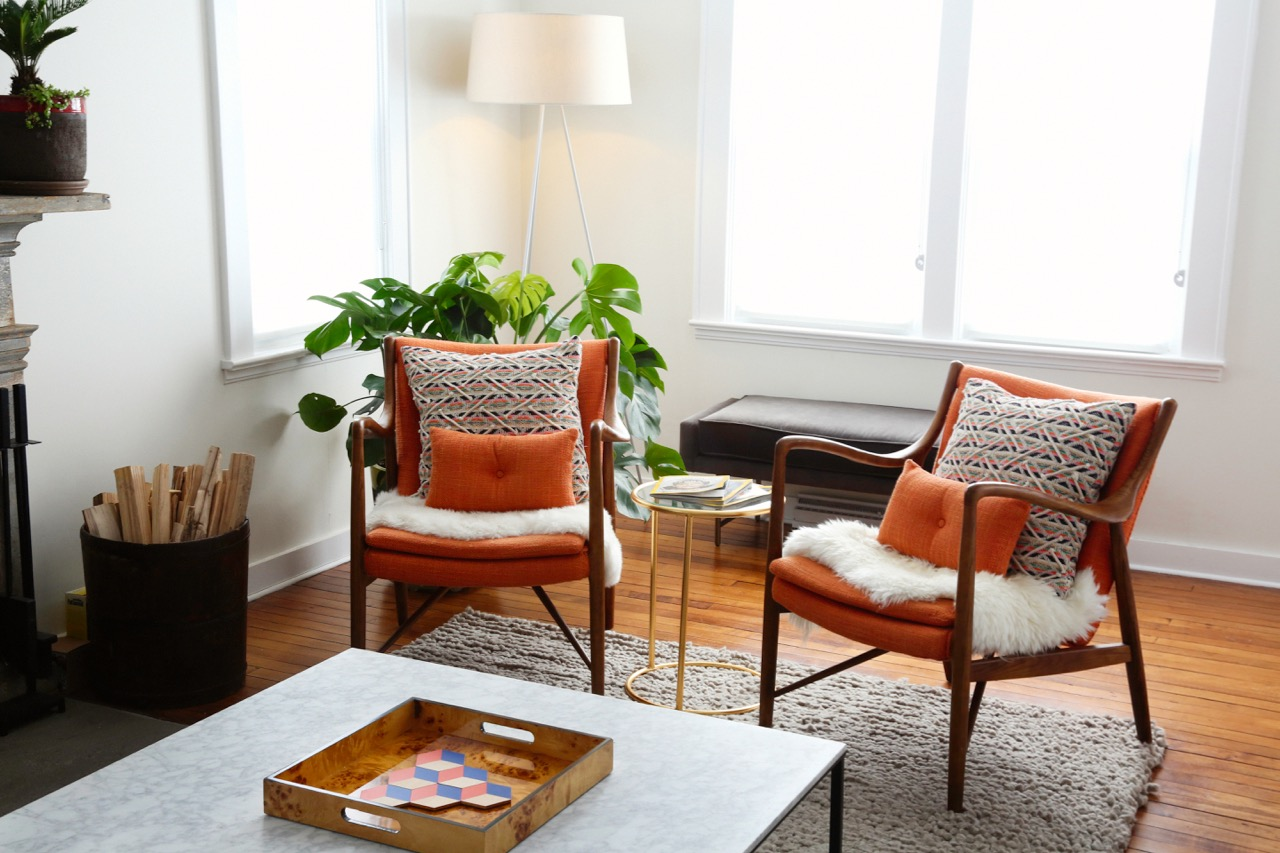 WILLOW COTTAGE LIVING ROOM CHAIRS 1_ESCAPE BROOKLYN.jpg