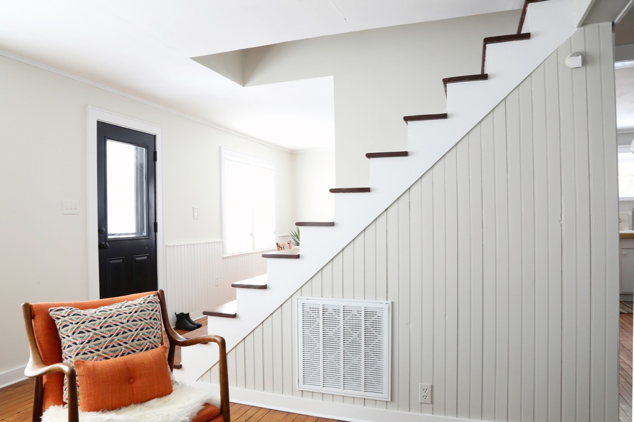 WILLOW COTTAGE STAIRS FROM SIDE 2_ESCAPE BROOKLYN.jpg