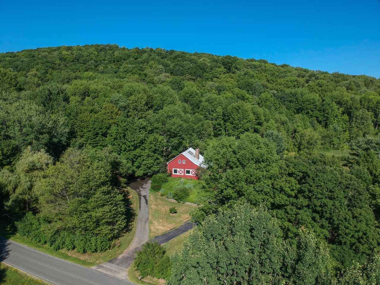 the_barn_drone-4.jpg