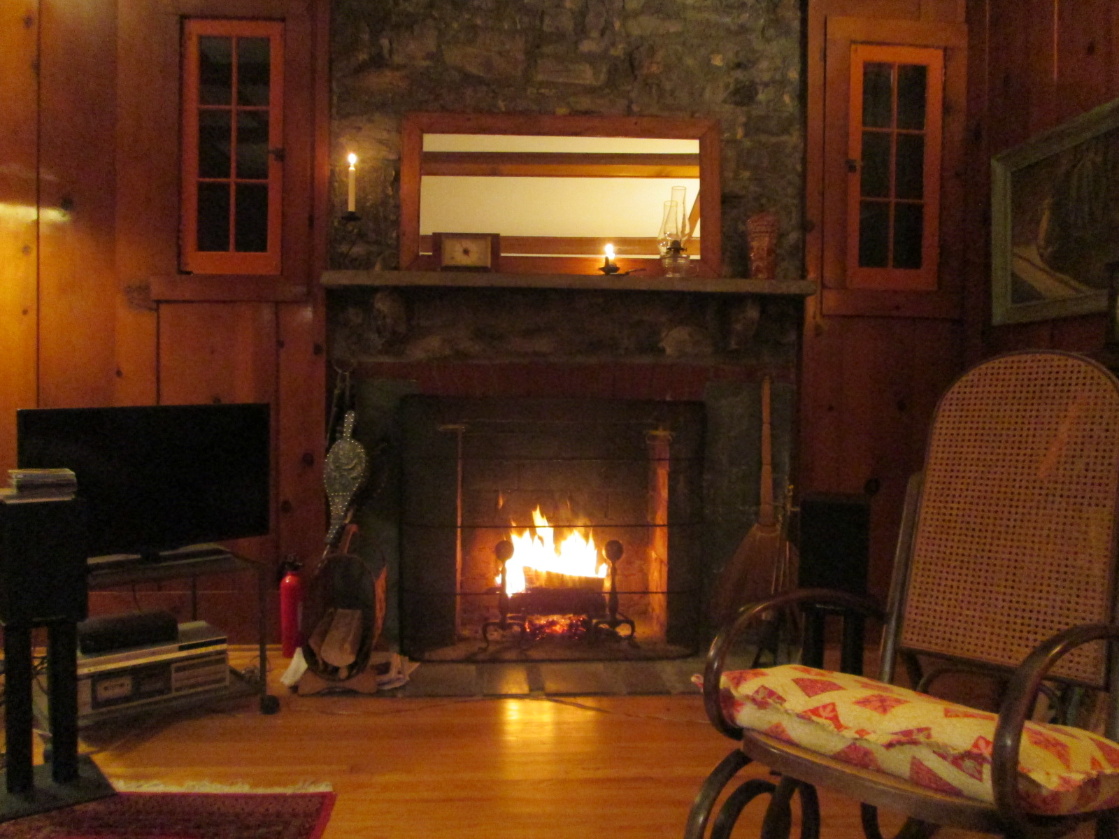 13. fireplace.JPG