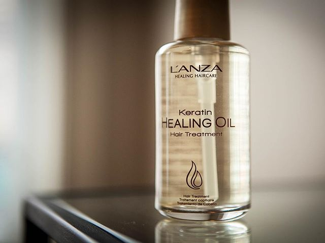 Our favorite way to rehydrate and restore hair's natural shine @lanzahaircare #productswelove