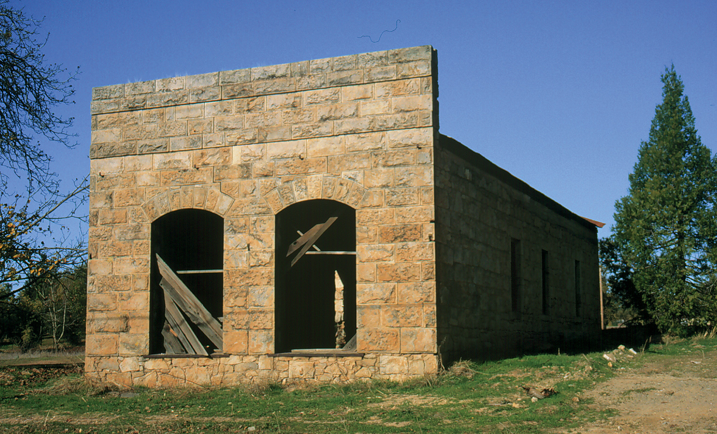 Diamond Springs - Stone Building.jpg