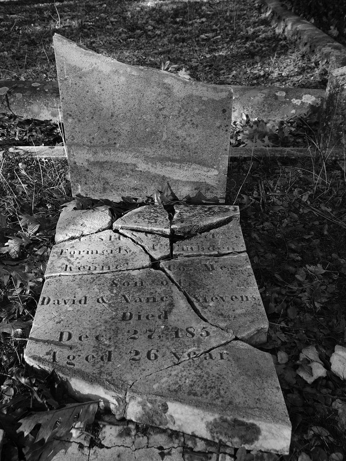 Columbia Cemetery Broken Stone 1850s.jpg