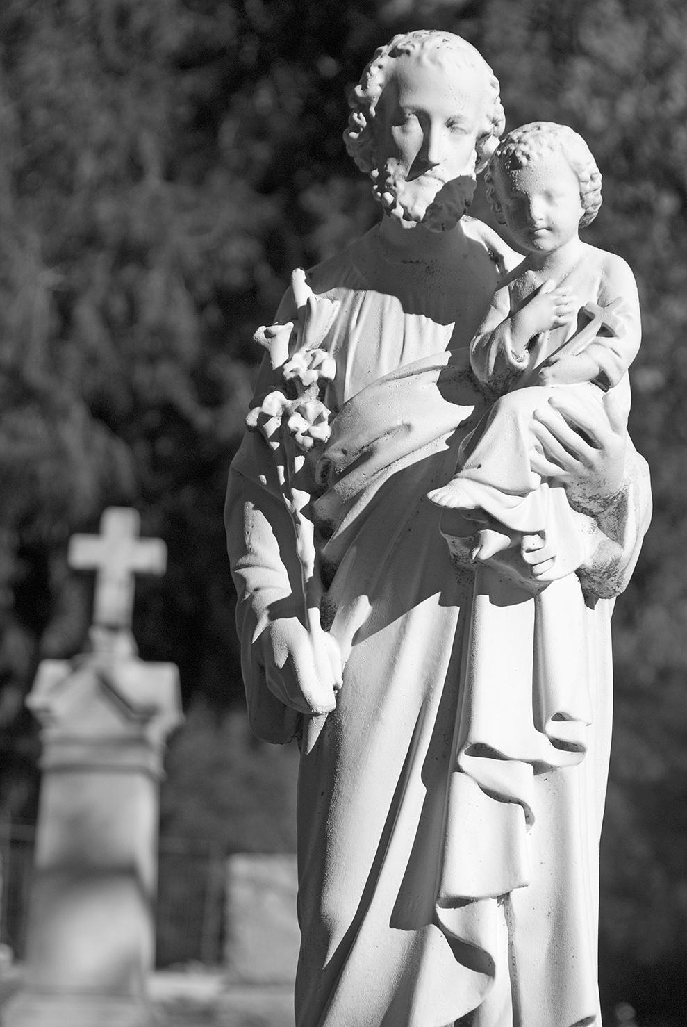 Mariposa St. Josephs Catholic Cemetery Statue.jpg