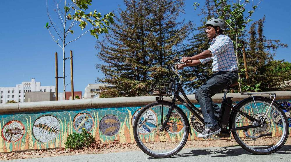 Getting around town effortlessly with the Blix Aveny Step-Through. Photo courtesy Blix Bikes.