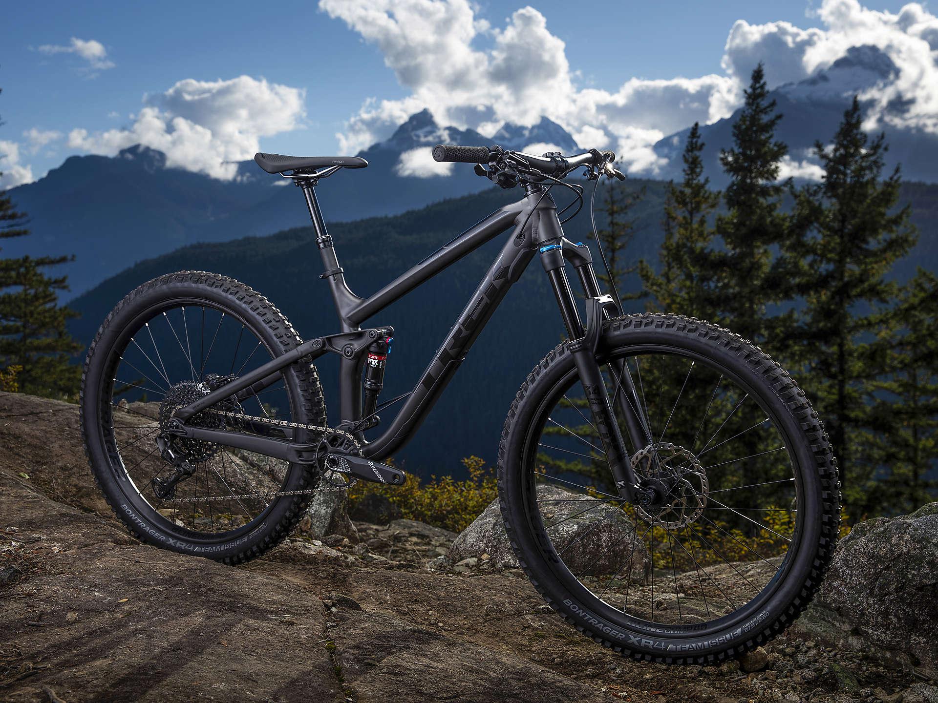 Fuel EX 8 Plus - Matte Dnister Black