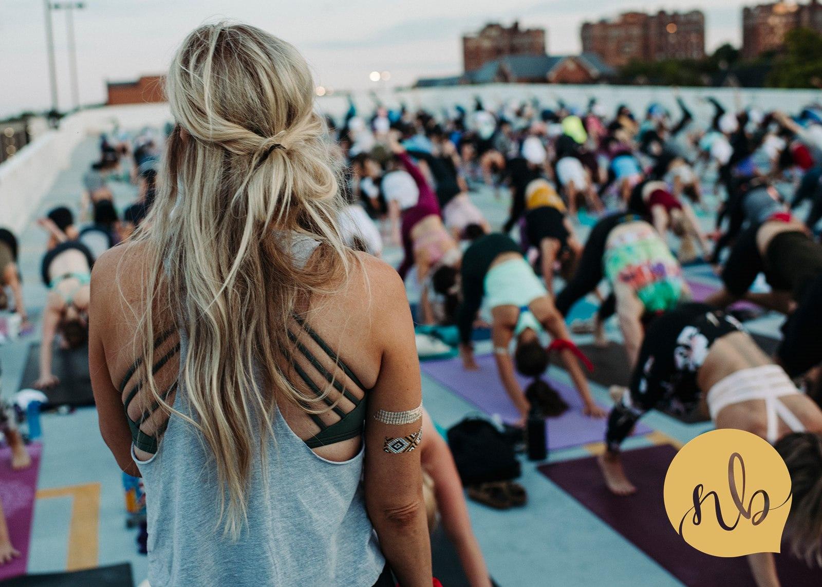 Salute_the_Sunset___Powerlife_Yoga___Nicole_Bissey_Photography_169.jpg