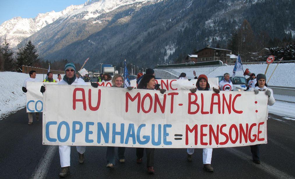 16 décembre 2009, blocage surprise de la route blanche