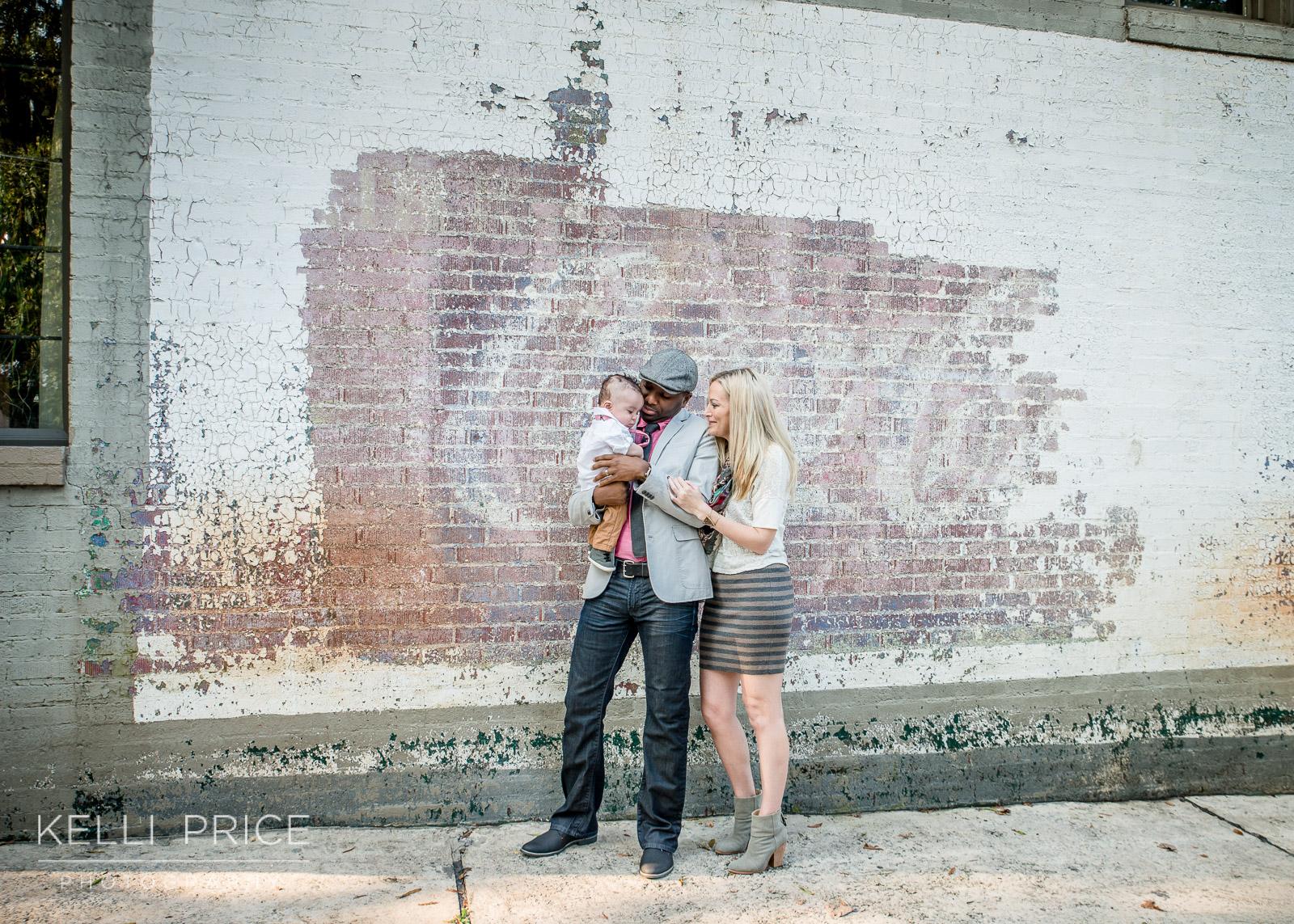 Urban_CocaColaWall_Family_Photography_Atlanta_KelliPricePhotography.jpg