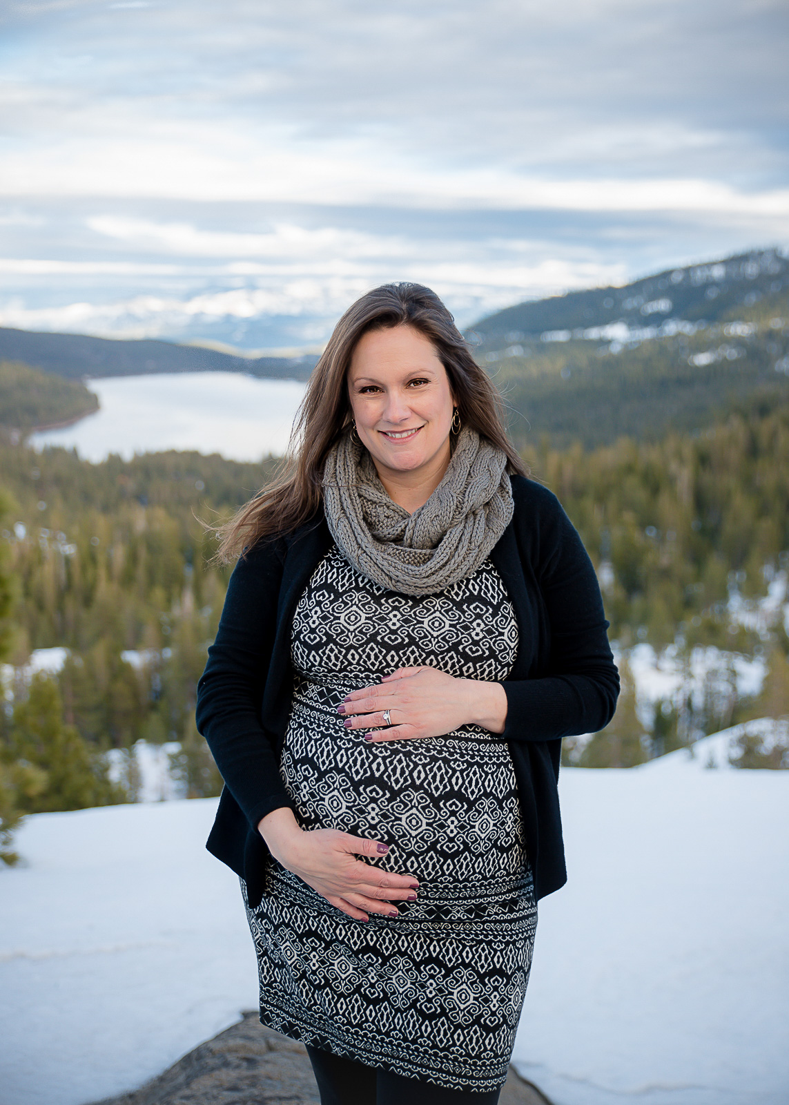 GoldbergMaternity11KelliPricePhotography_DonnerPass_Truckee_California.jpg