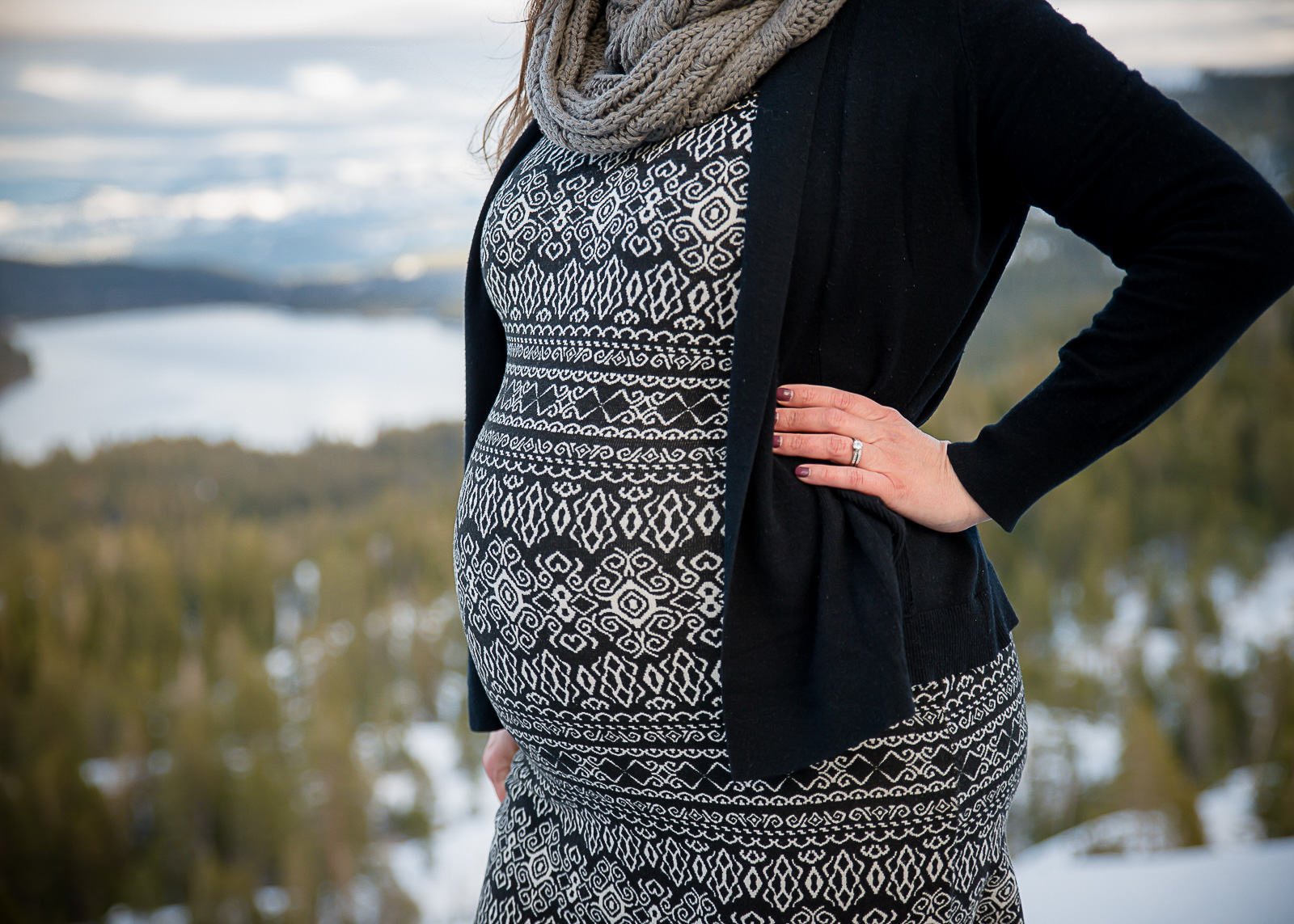 GoldbergMaternity12KelliPricePhotography_DonnerPass_Truckee_California.jpg