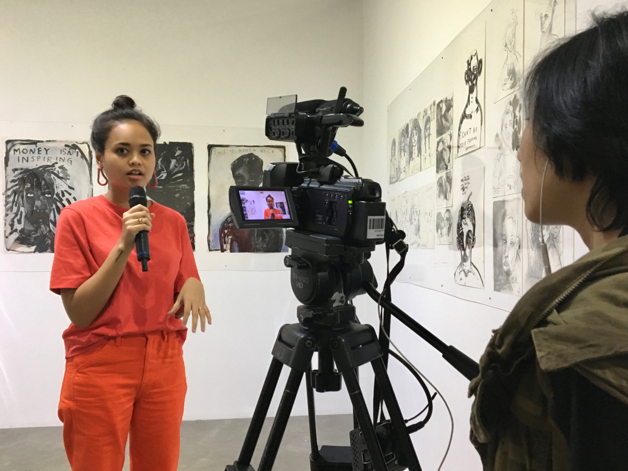 Natisa Jones speaks on Jakarta TV about her exhibition 'Grotesk' at Komunitas Salihara.