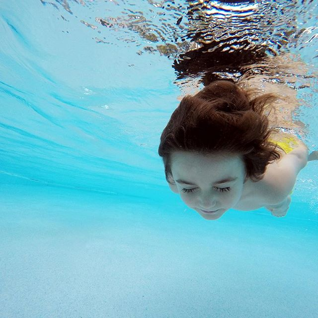 this kids a swimmer! ✔️ #mytinyatlas #atlasthegreat / #atlasarcher /  #familytravel #familyblogger / #familytravelblogger / #abmlifeisbeautiful #thehappynow /  #travelwithkids /  #traveljournal #veganhouston / #summerroadtrip / #littlehippie / #abmlifeiscolorful / #ambhappylife / #cornersofmyworld / #darlingdaily / #thatsdarling #goopgetaway / #flashesofdelight / #thehappynow / #livethelittlethings / #pursuepretty / #theeverydayproject / #makeyousmilestyle / #photosinbetween / #soloverly / #floridaliving /#sofloblogger / #soflolife