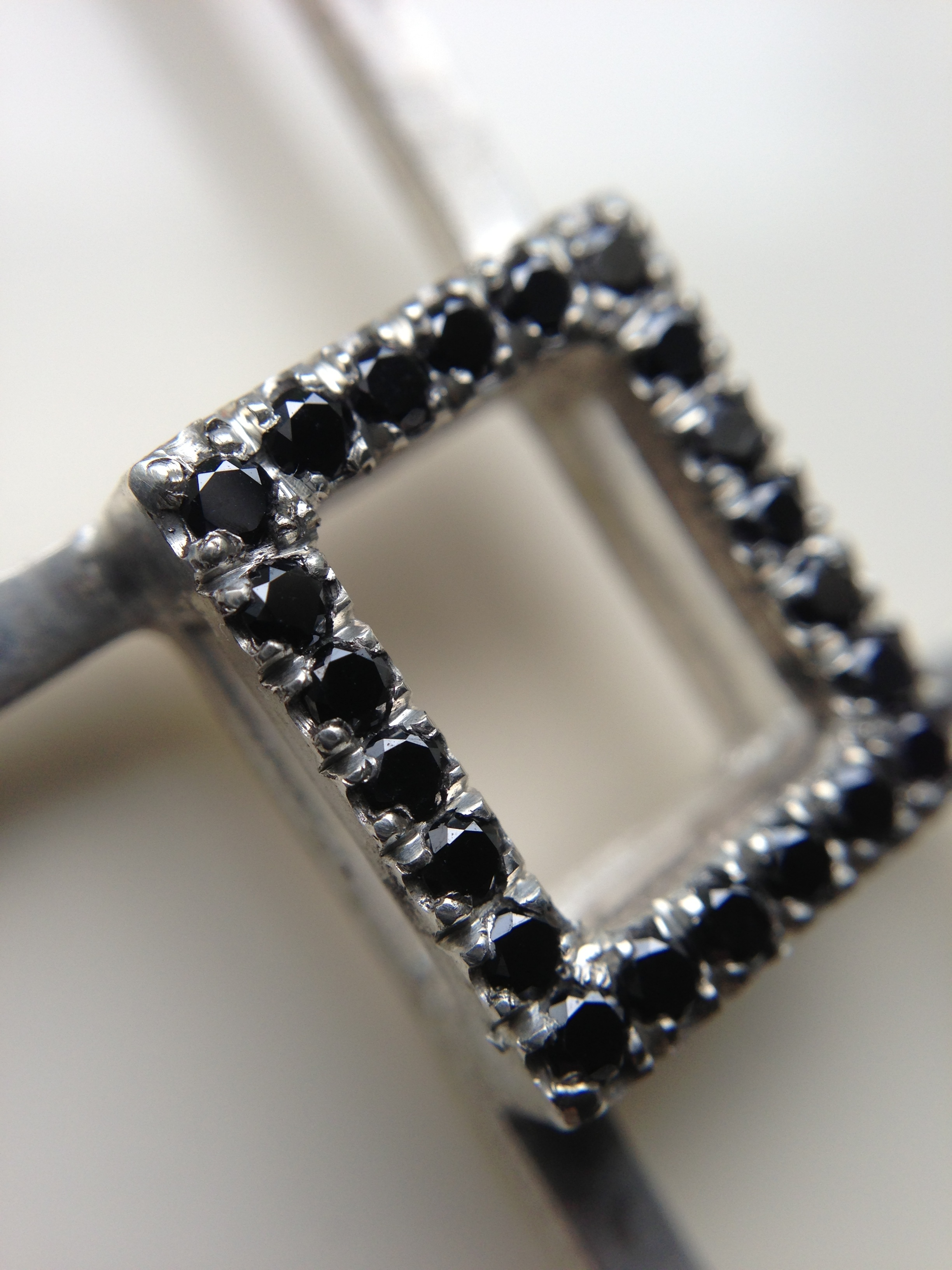 NOW IN 3D - SHOWN WITH BLACK DIAMONDS