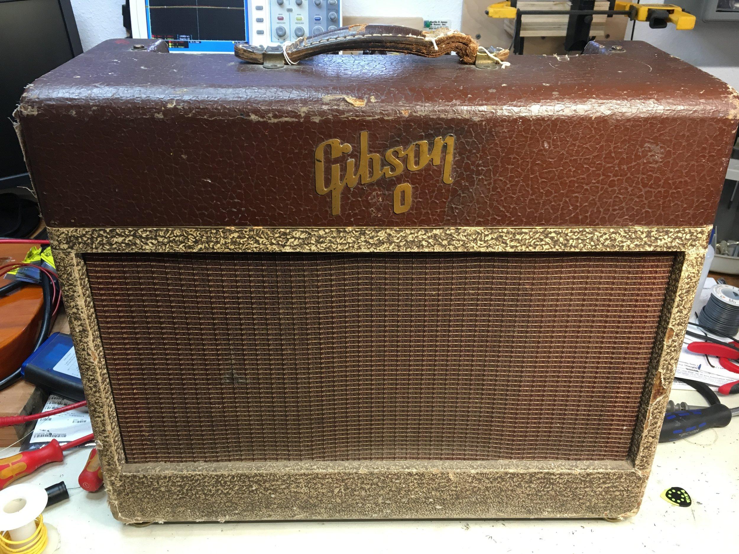 Gibson GA-20 Rare 9 Pin preamp version.