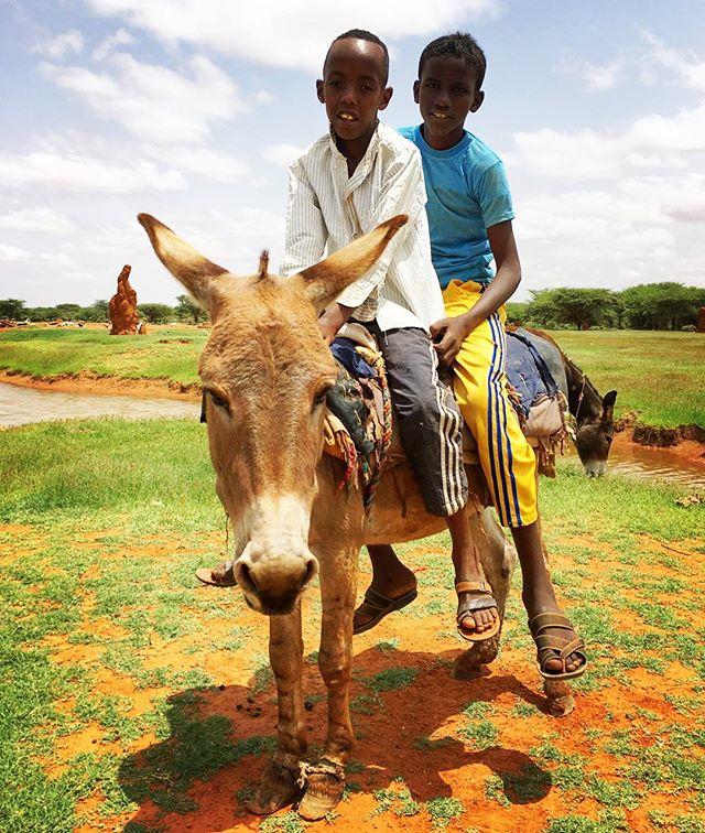 Two Somali boys h̶o̶r̶s̶i̶n̶g̶ donkeying around