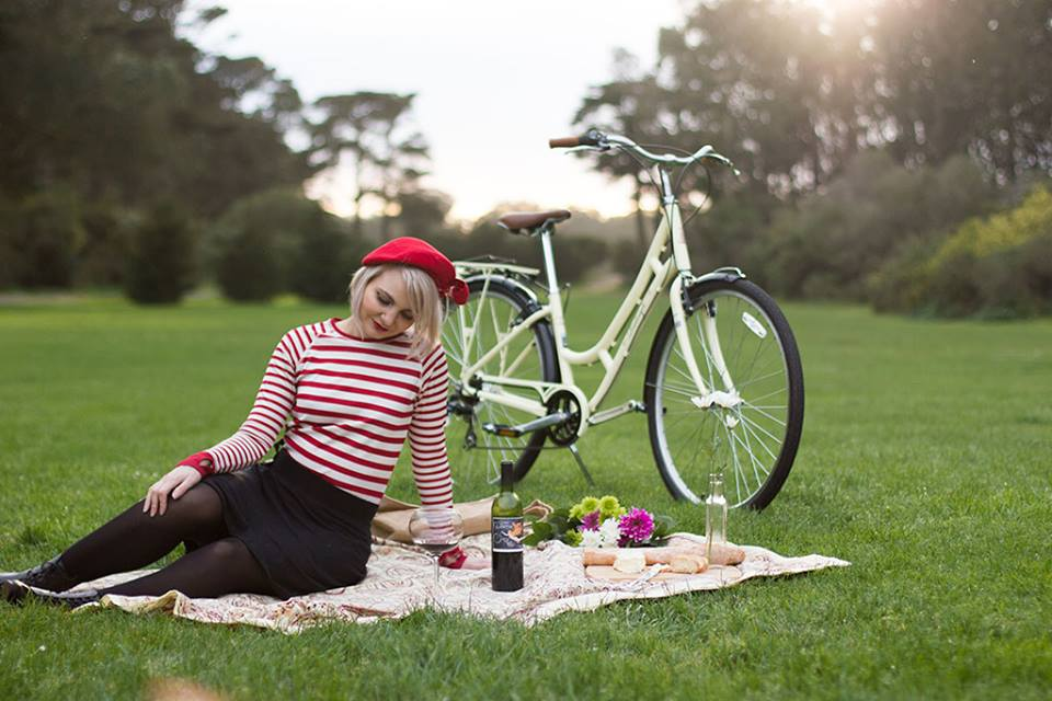 Melissa of Bike Pretty , ready for her Parisian picnic this Sunday!