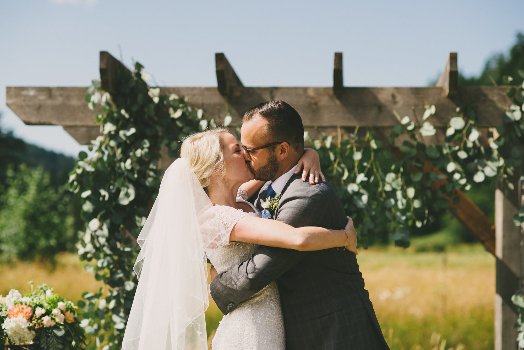 kiss vancouver island wedding