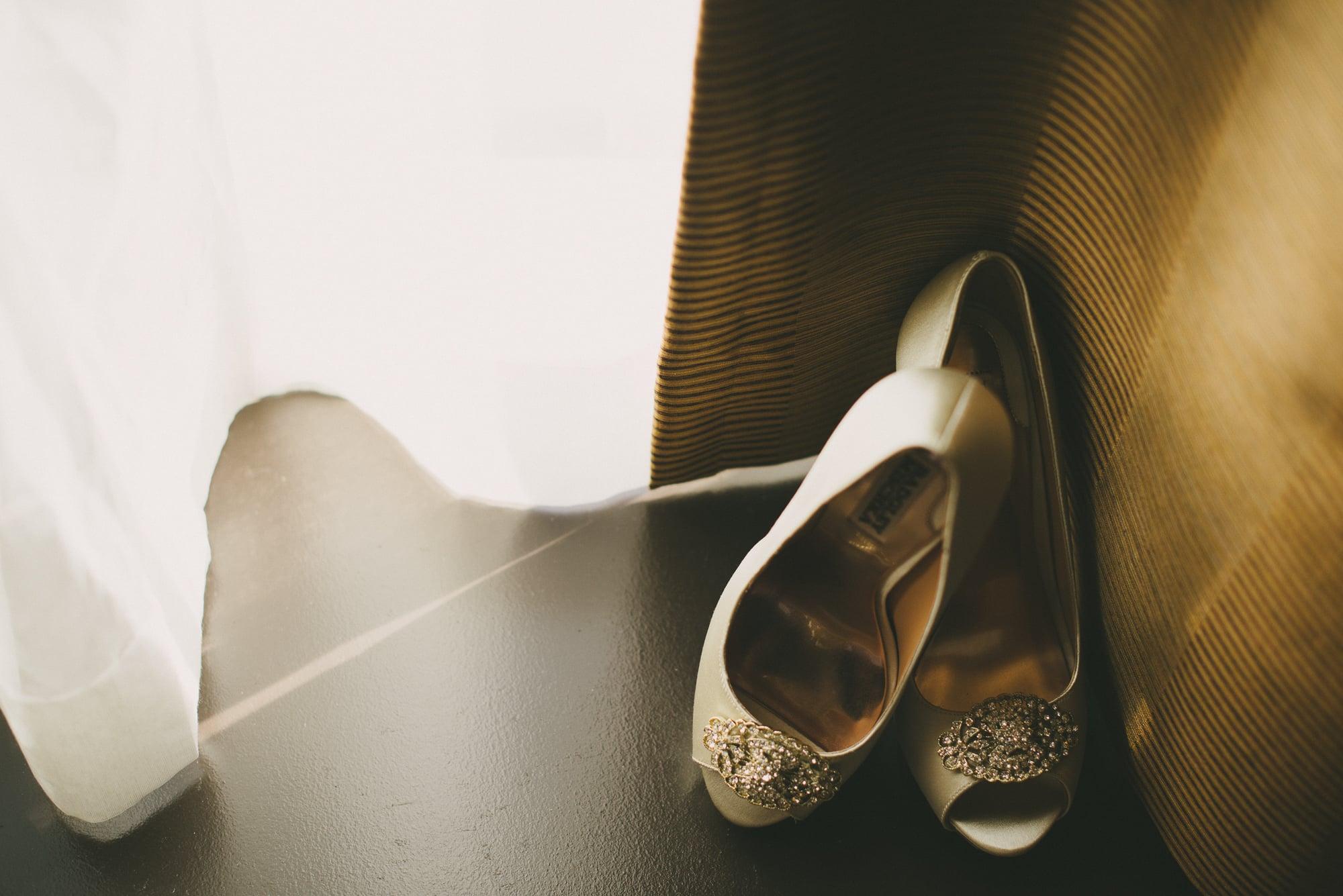 1-chambar-vancouver-wedding-sara-rogers-photography-2.jpg