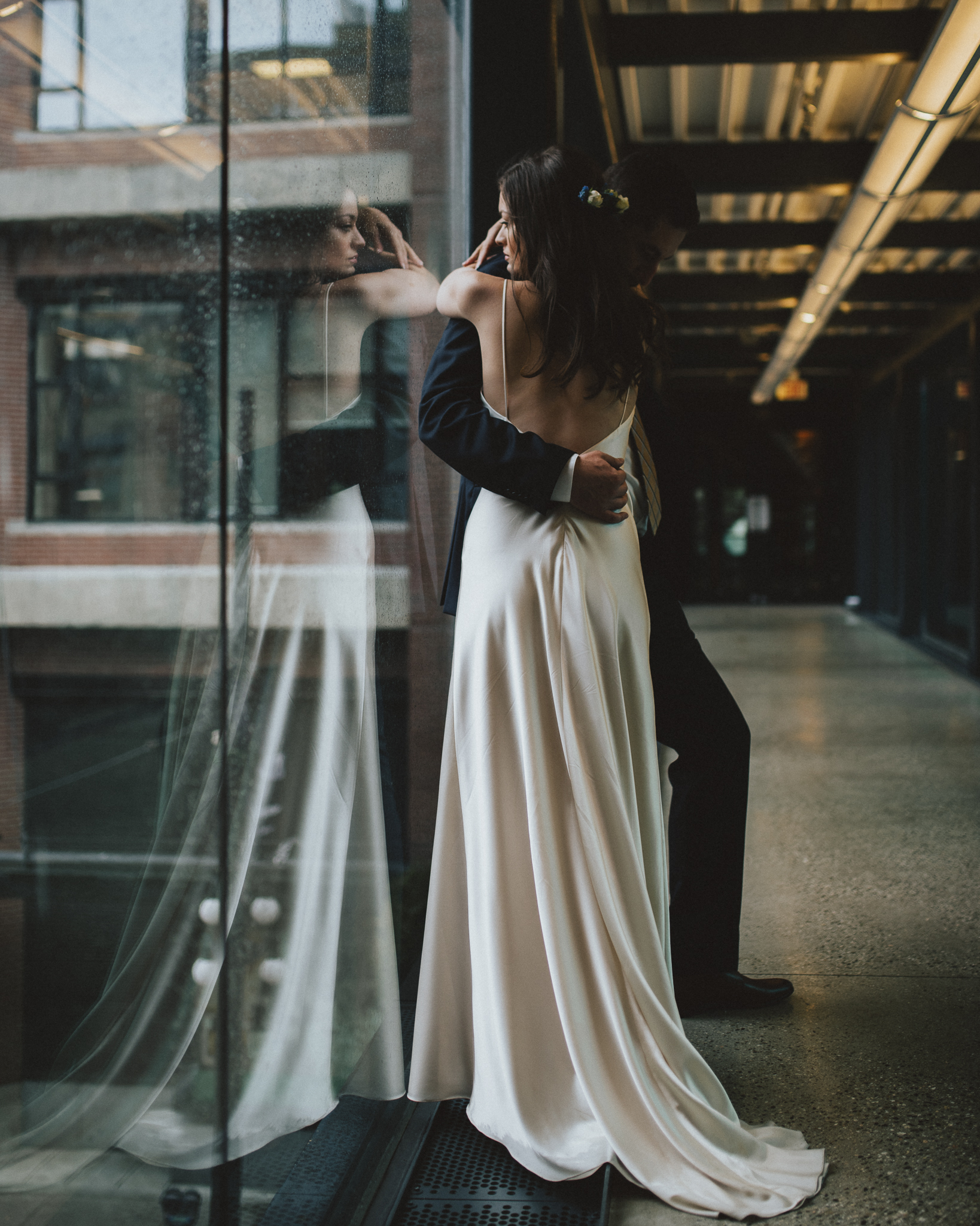 Gastown Rainy Elopement Photographer