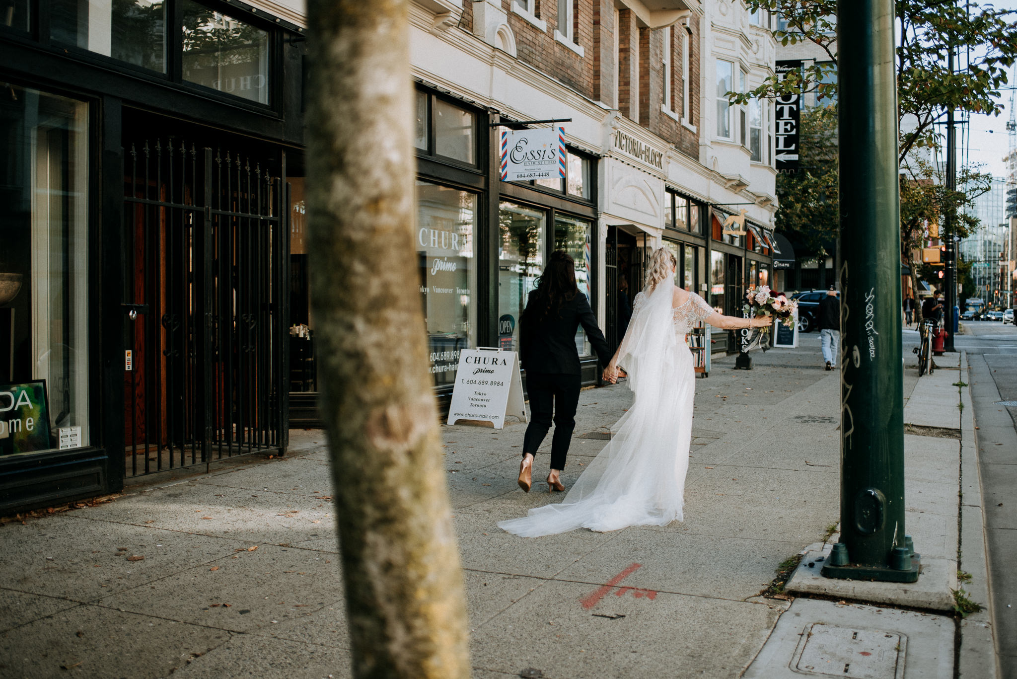 146-vintage-vancouver-gastown-same-sex-wedding-the-permanent-ellesarah-sara-rogers-photography-7969.jpg