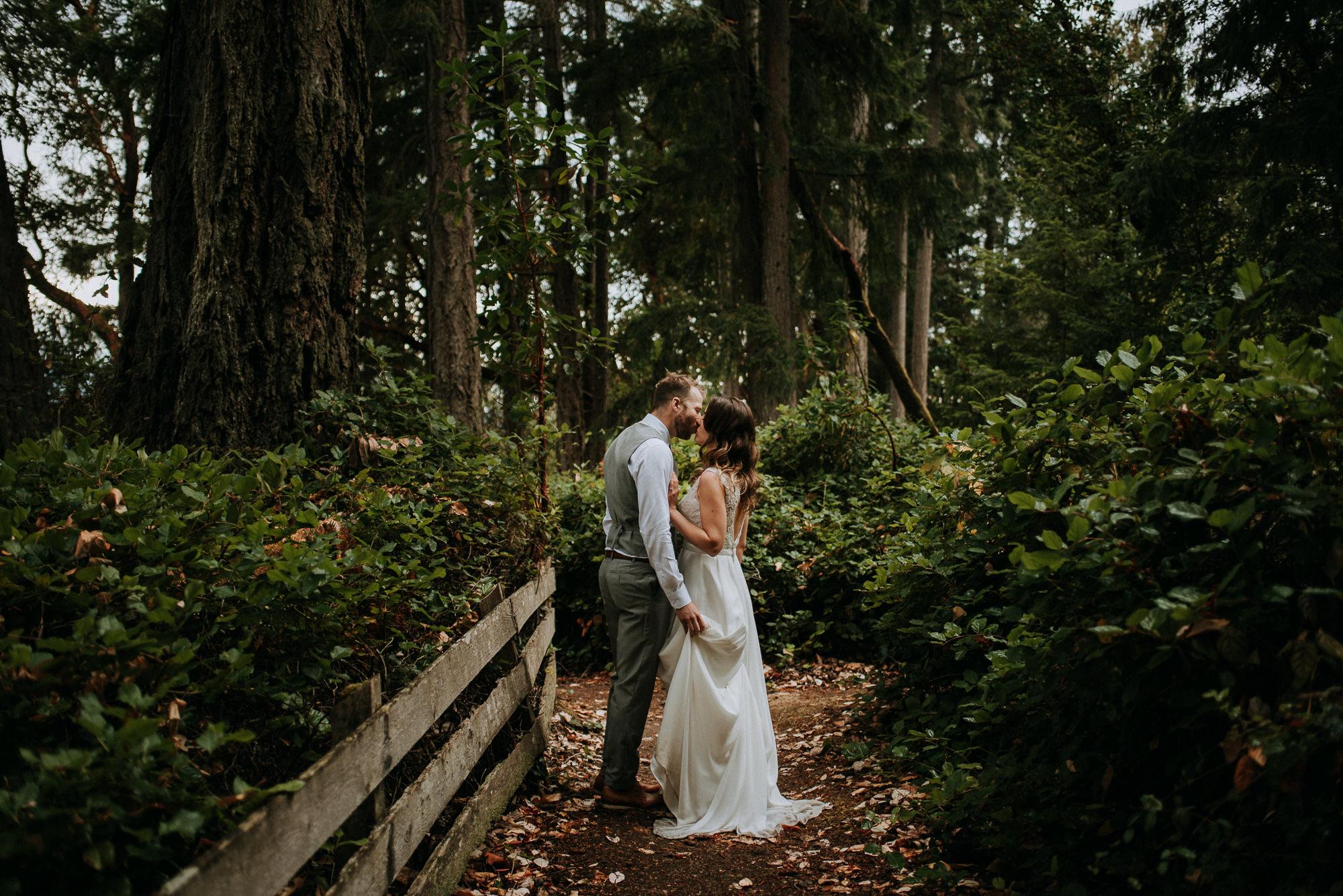 144-overbury-resort-thetis-island-wedding-jan-ian-7525.jpg
