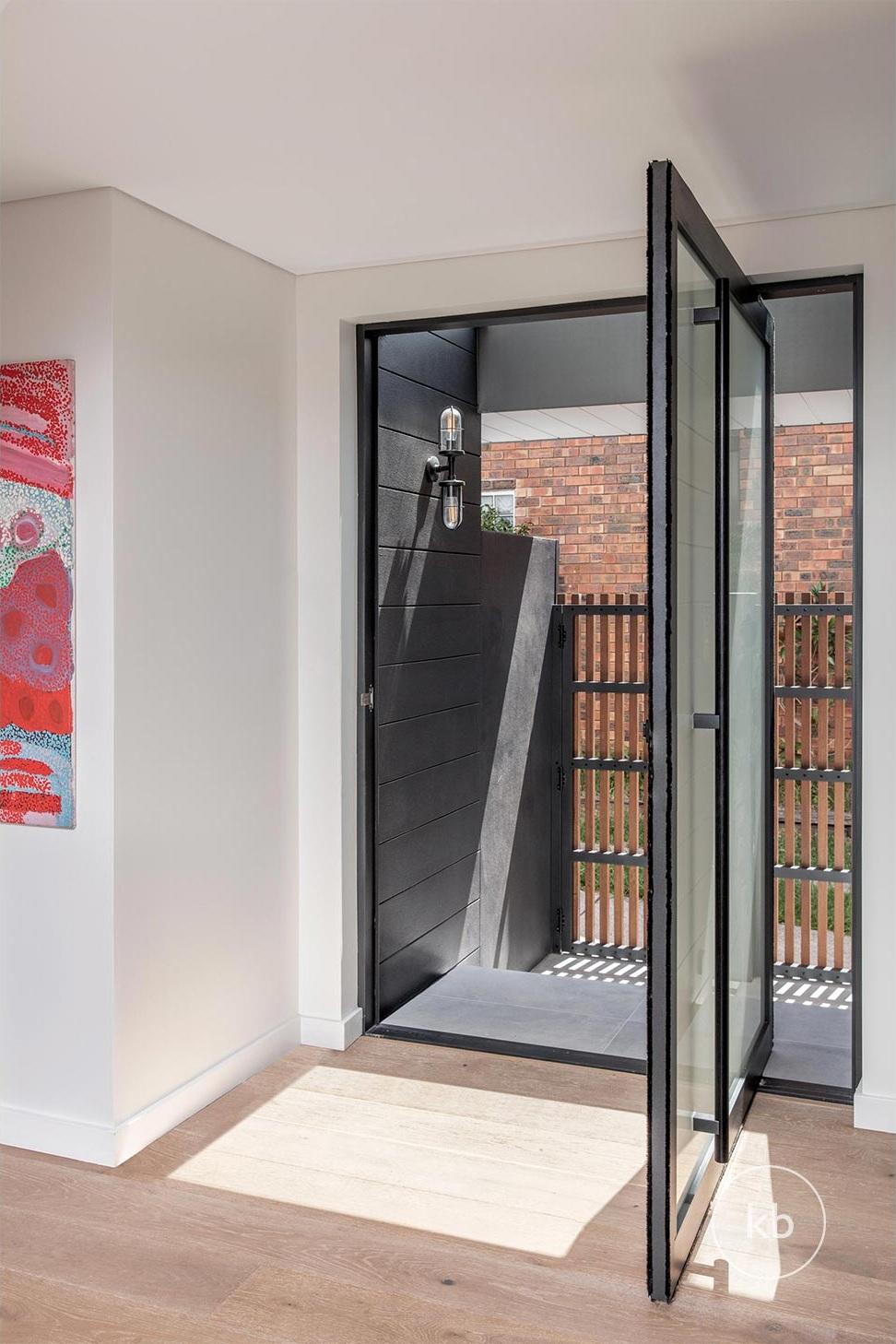 ©-Kate-Bell-Interior-Architecture-&-Design-Bronte-Yanko-project-Living-01.jpg