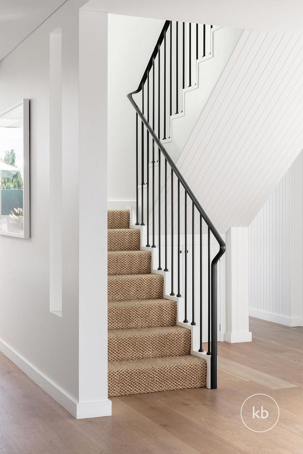 ©-Kate-Bell-Interior-Architecture-&-Design-Bronte-Yanko-project-Hallway-03.jpg