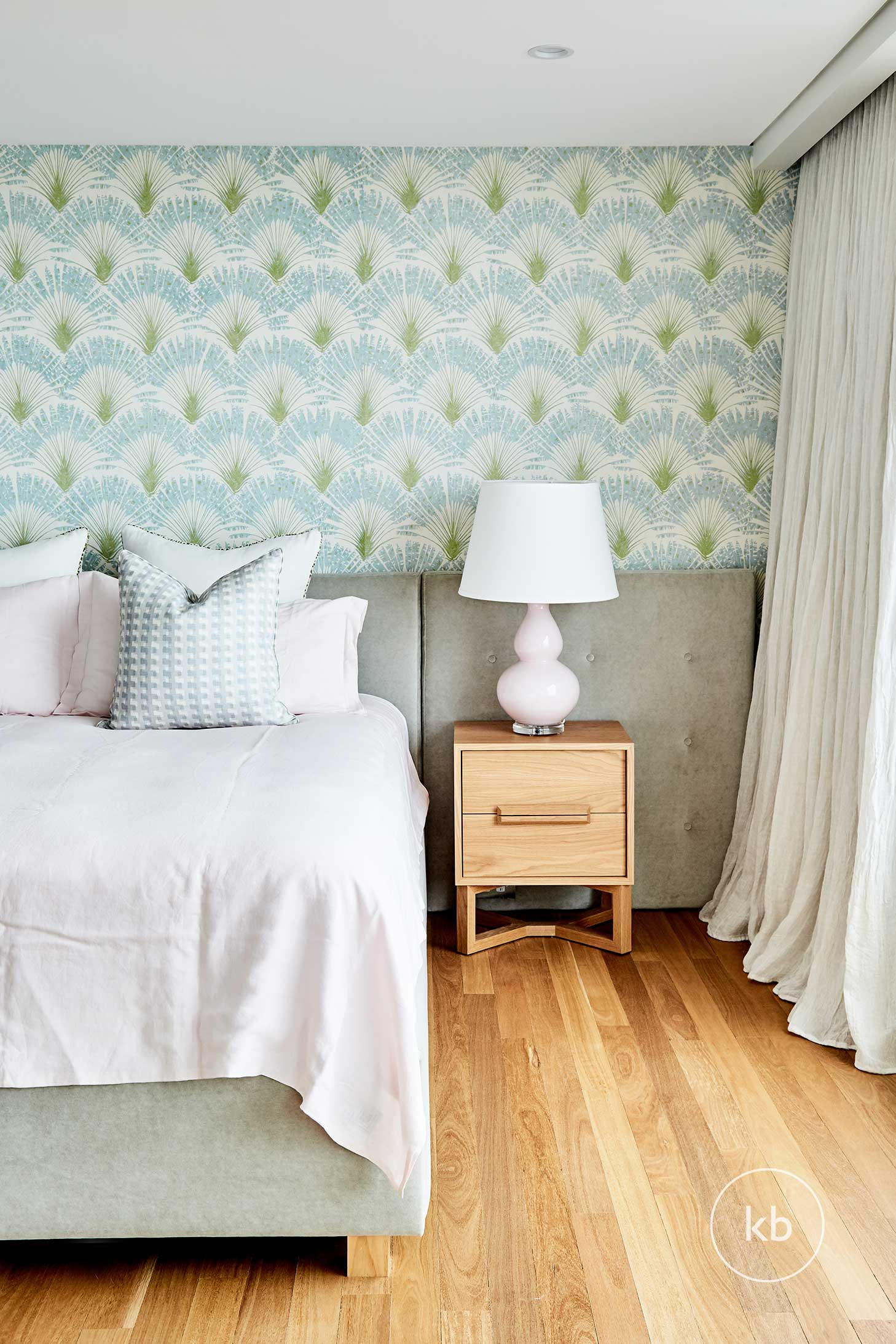 ©-Kate-Bell-Interior-Architecture-&-Design-07-Rockwell-Project-Bedroom-01.jpg