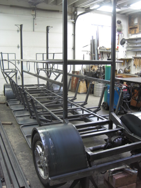 custom metal fabrication métal sur mesure.JPG