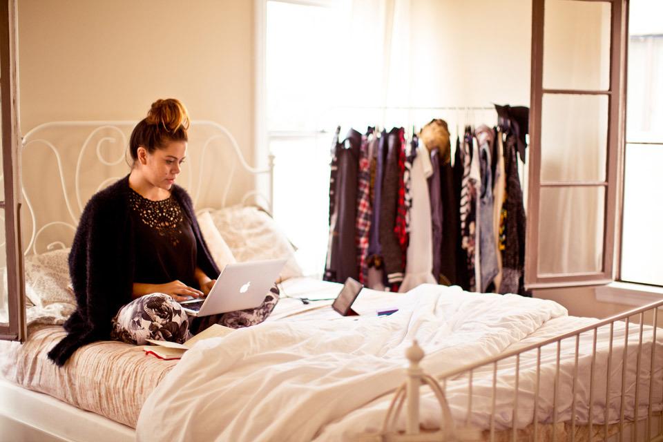 christina-topacio-profresh-style-sabrina-noel-hill-los-angeles-fashion-blogger-working-from-home-vintage-bedroom-inside-my-home-bebe-24.jpg