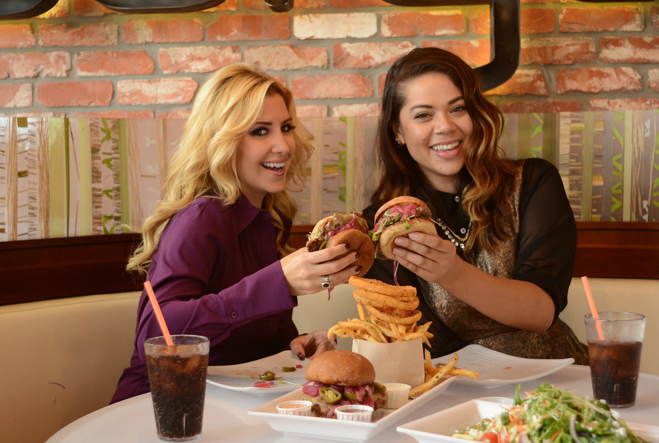 burger-lounge-profresh-burger-caliente-profresh-betweenprofreshbuns-christina-topacio-los-angeles-foodie-5.jpg