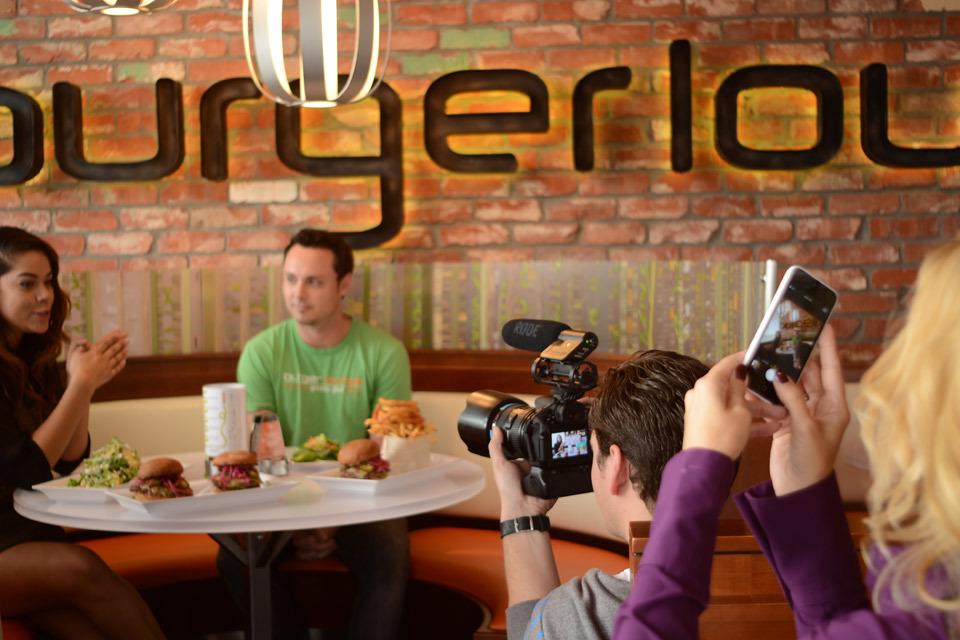 burger-lounge-profresh-burger-caliente-profresh-betweenprofreshbuns-christina-topacio-los-angeles-foodie-1.jpg