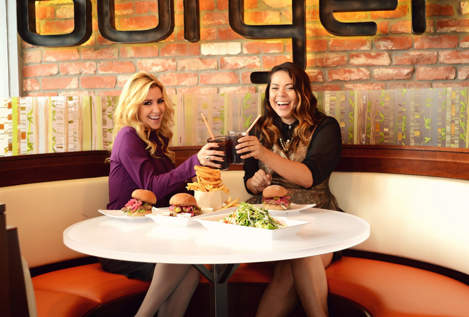 burger-lounge-profresh-burger-caliente-profresh-betweenprofreshbuns-christina-topacio-los-angeles-foodie-3.jpg
