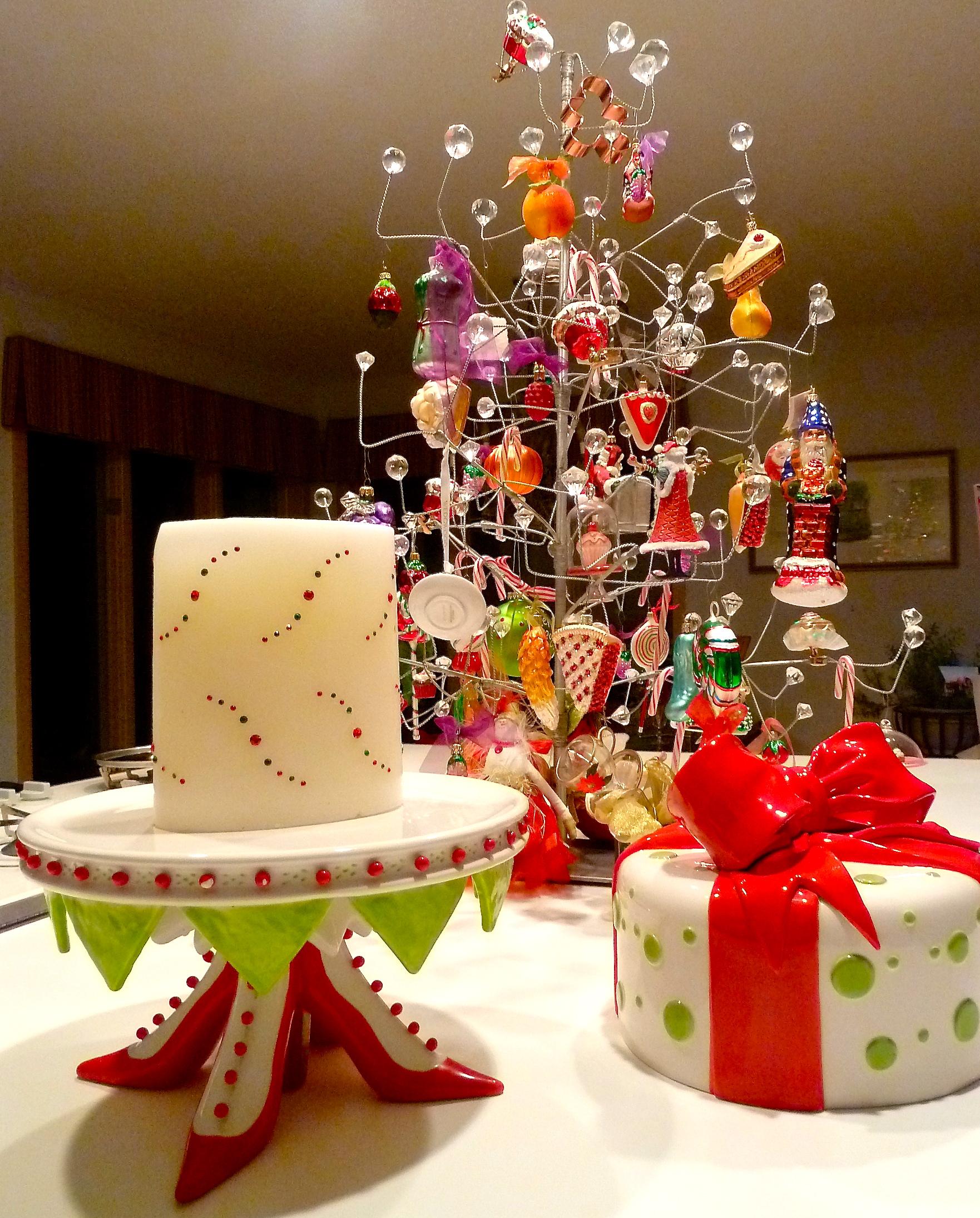 TST_Christmastree_desserts_Santas_photo#7.jpeg