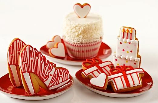 Happy Fashionista Birthday! - http://elenis.com