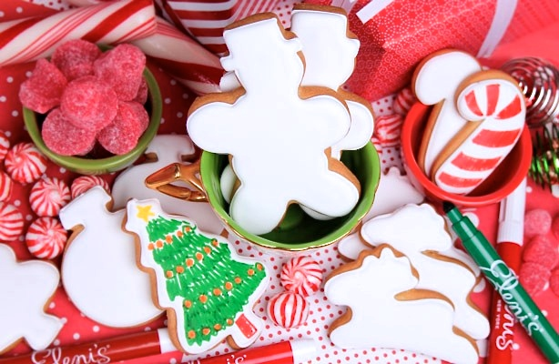 color-me_-christmas.jpg