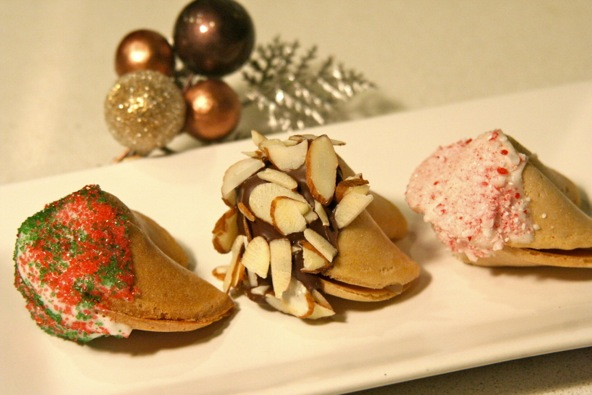 http://www.thesweetandsourchronicles.com/holiday/chocolate-dipped-holiday-fortune-cookies-4/#sthash.2GMR9nEh.dpuf