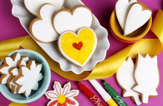 Color Me Hearts & Flowers Cookie Set