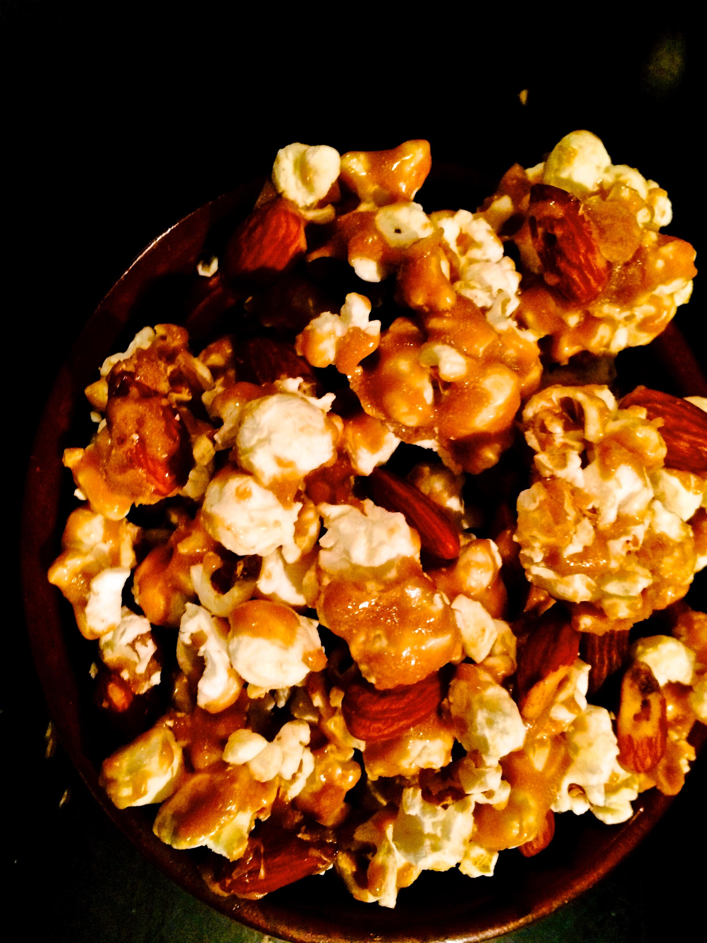 TST_Popcorn_Caramel/Almonds_photo.jpeg