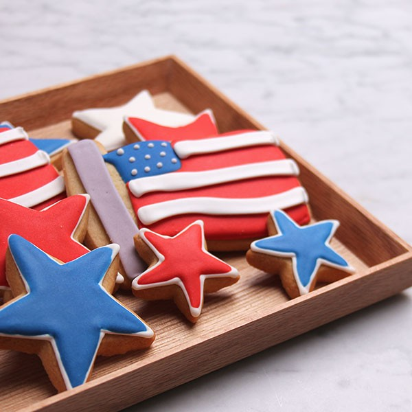 ec_summer-stars_stripes-small-styled_square_03_1.jpg