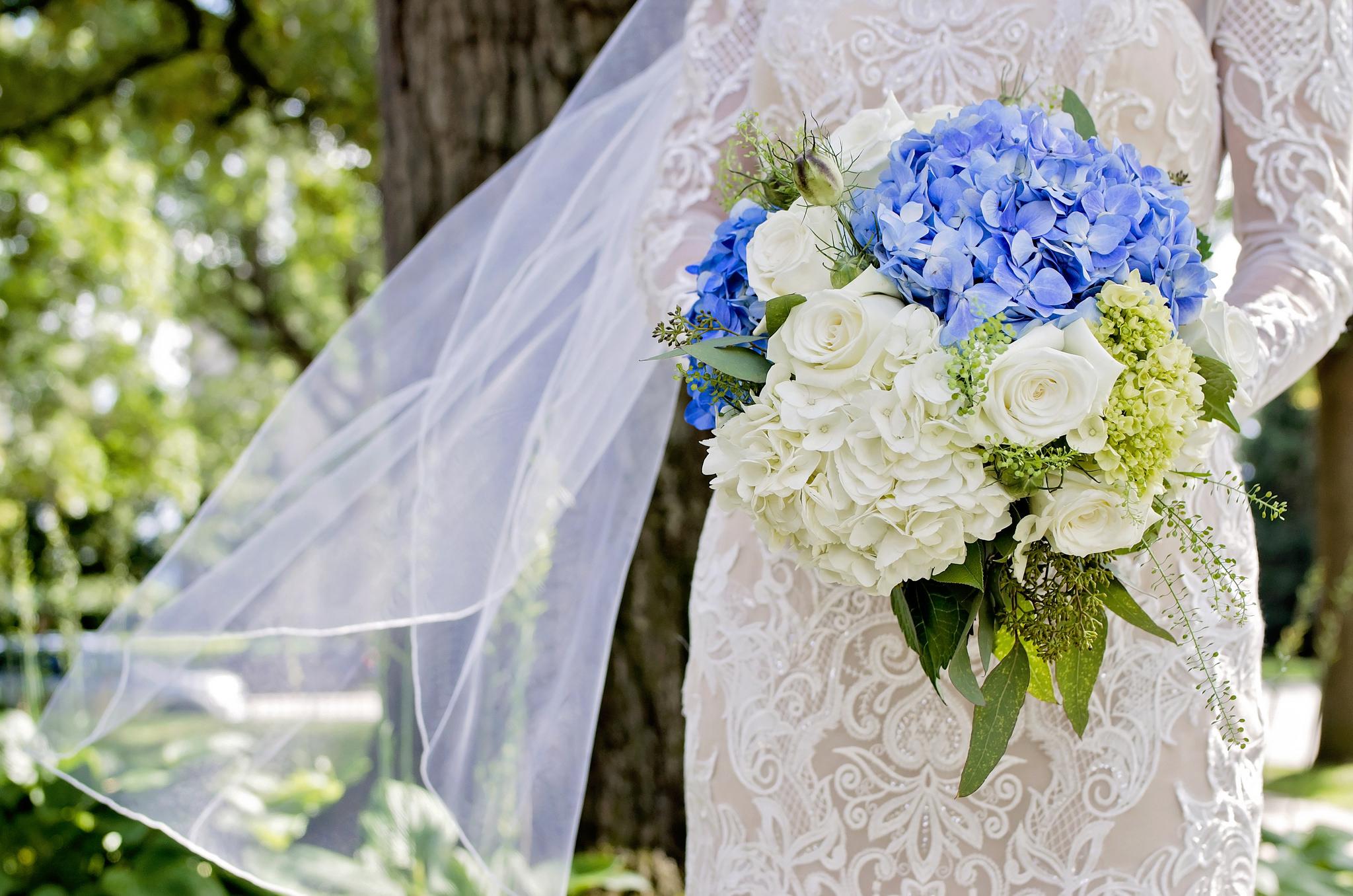 kristine_wedding_brides_spiritedtable_photo02.jpg