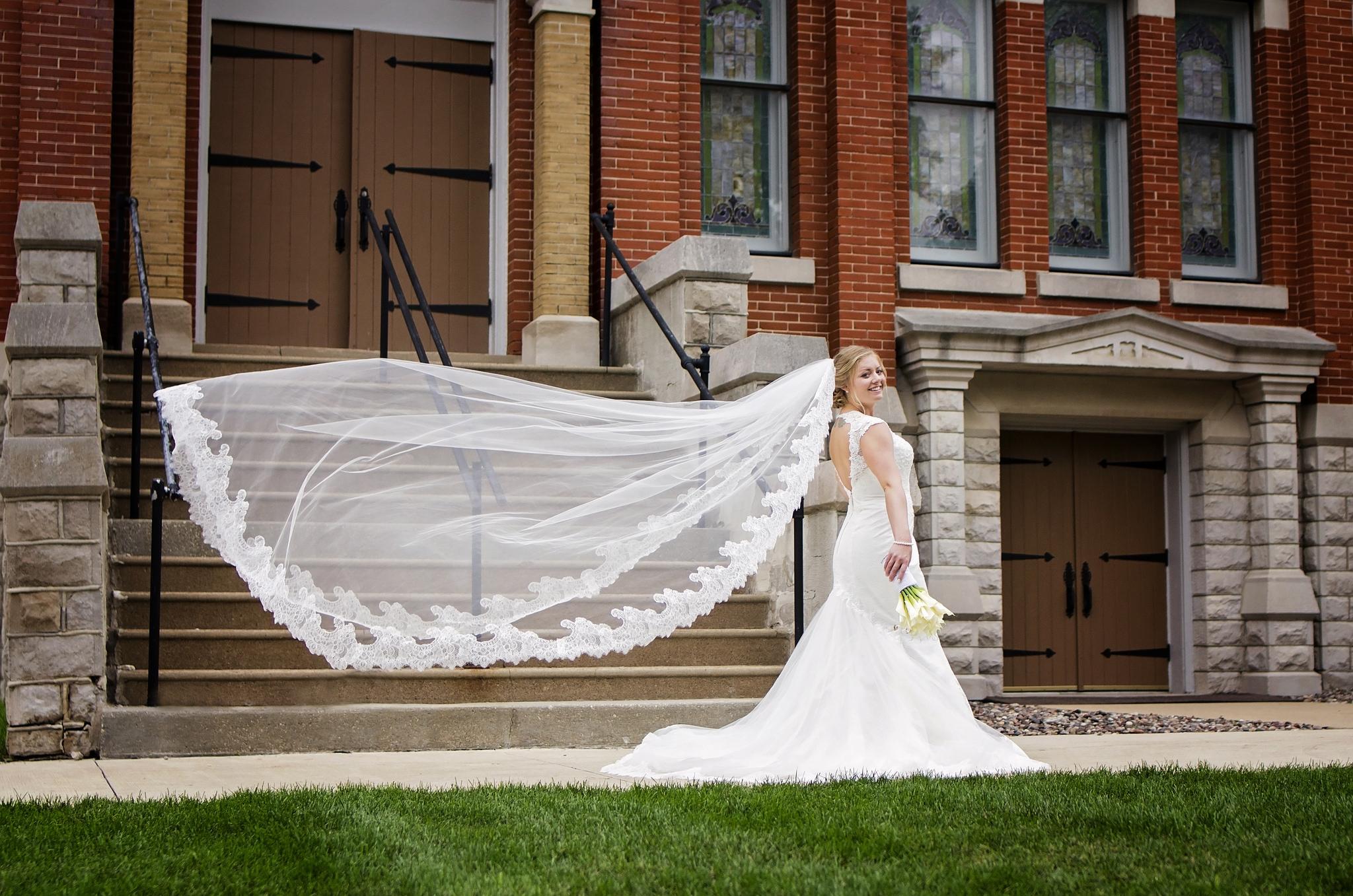 kristine_wedding_brides_spiritedtable_photo03.jpg