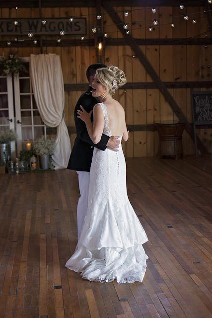 kristine_wedding_Caroline&Ryan_marriage&party_spiritedtable_photos11.jpg