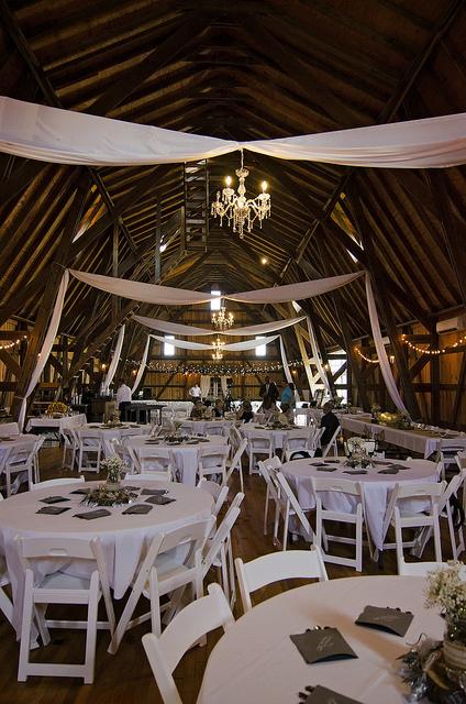 kristine_wedding_Caroline&Ryan_marriage&party_spiritedtable_photos35.jpg