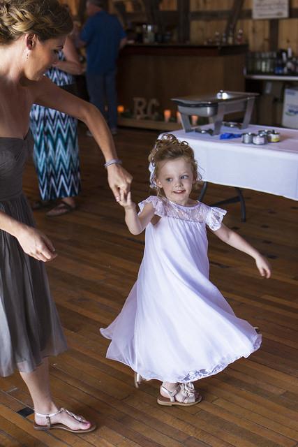 kristine_wedding_Caroline&Ryan_marriage&party_spiritedtable_photos10.jpg