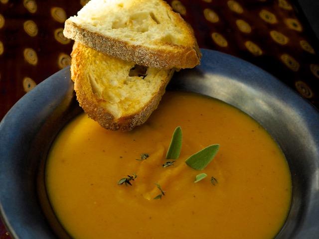 cindi_mimi_butternutsquash_soup_recipe_spiritedtable_photo4.jpg